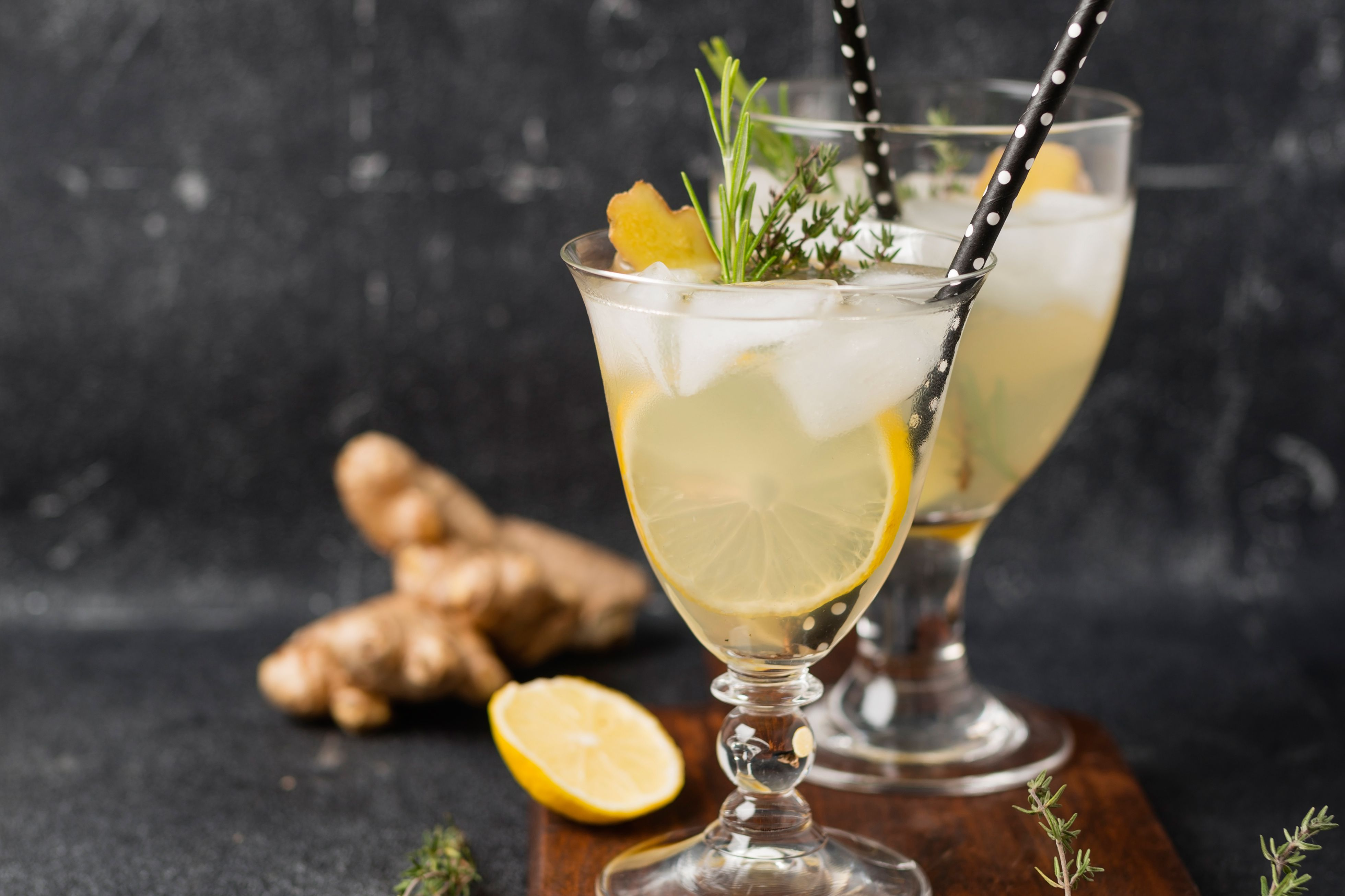 Old thyme sour cocktail recipe with irish whiskey for 7 and 7 drink recipe