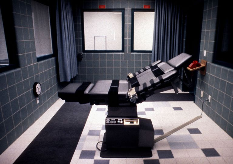 pros cons of the death penalty and capital punishment the execution chamber in the federal prison in terre haute na