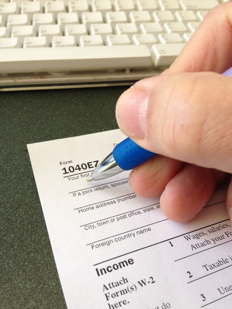 Tips for preparing a form 1040 ez for the year 2006 form 1040ez falaconquin