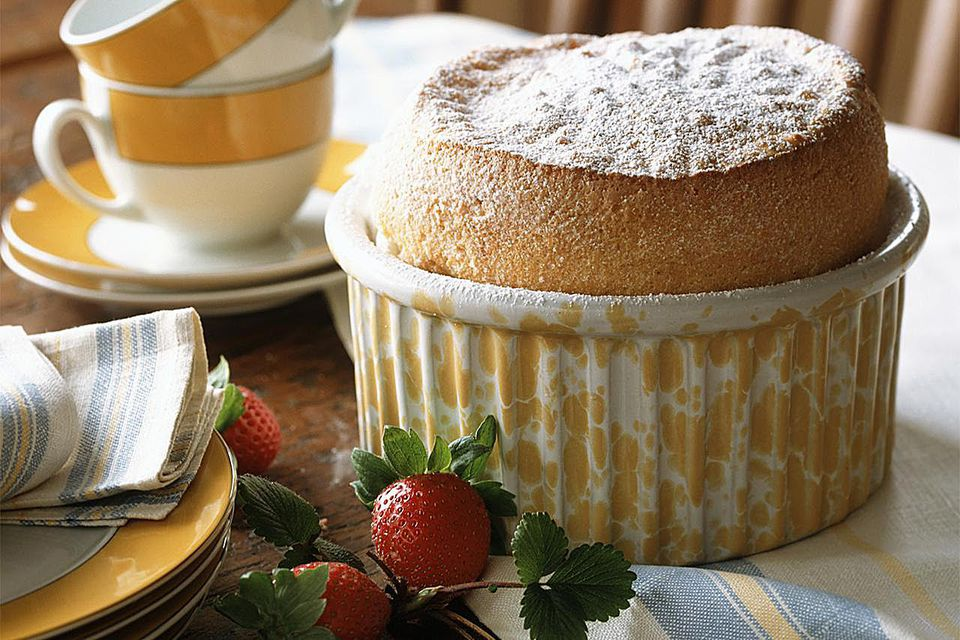 Simple vanilla souffle dessert recipe for Easy french dessert recipes
