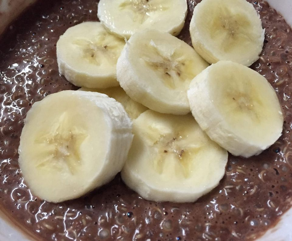 Chocolate banana quinoa breakfast bowl