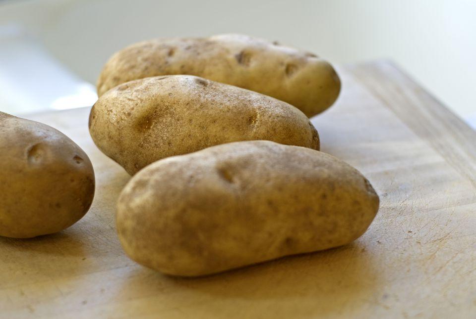 Raw Russet Baking Potatoes Root Vegetables
