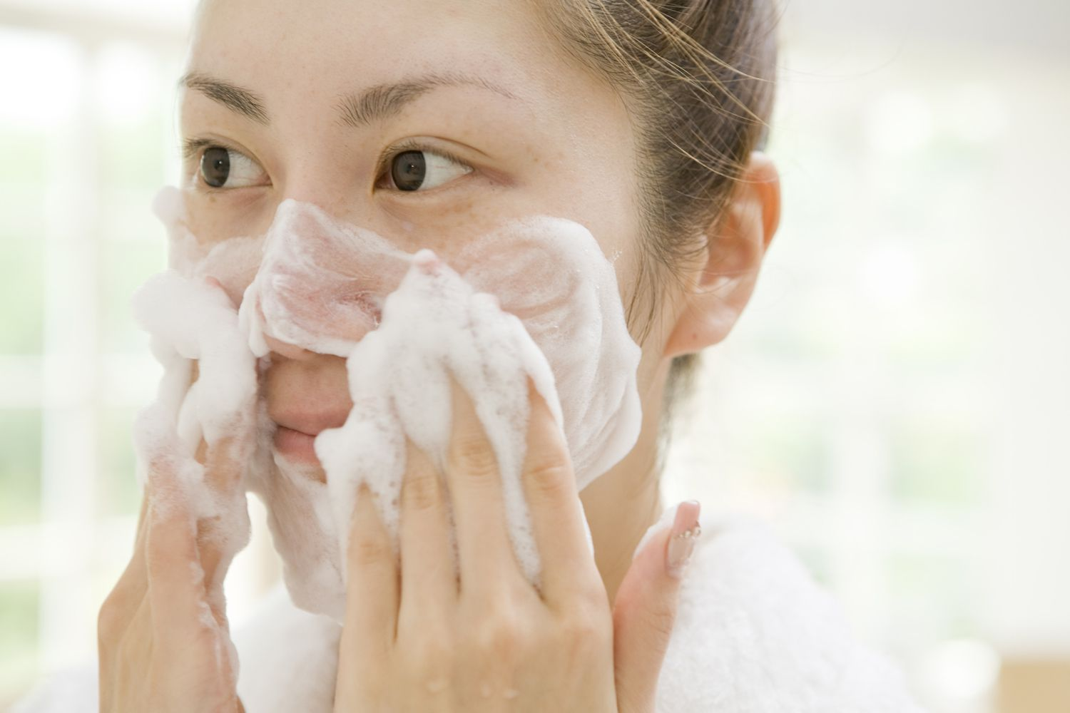 No More Pimples! The 6 Best Soaps & Cleansers for Acne