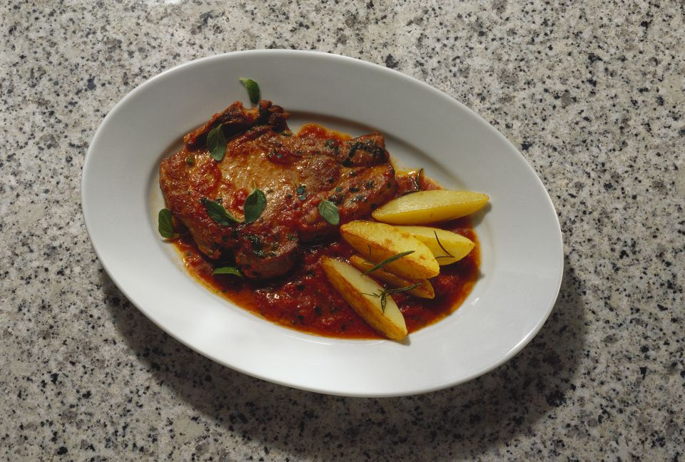 pork chop with tomato sauce