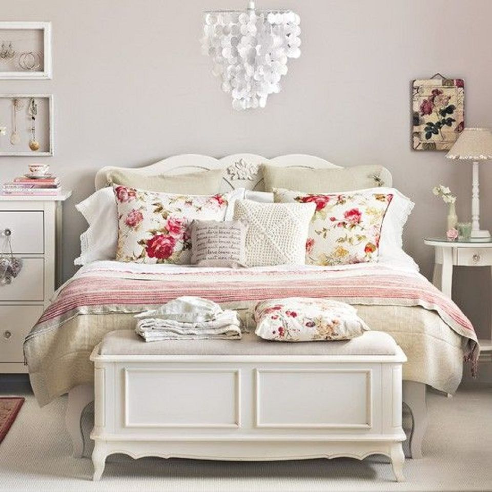 Pretty vintage bedroom