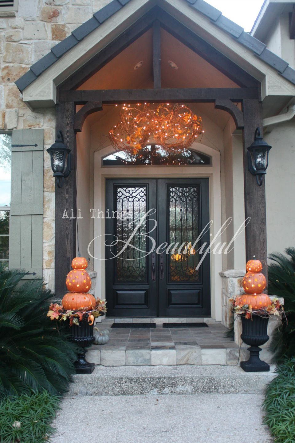 Fall porch decorating ideas pictures - Fall Front Porch Lighting Display