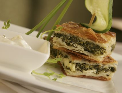 Greek food recipes the best spanakopita recipe greek spinach pie with feta forumfinder Choice Image