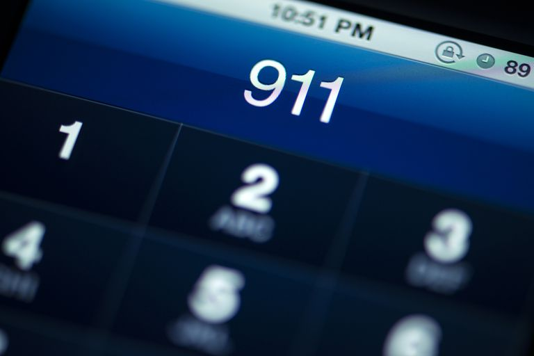 smartphone screen with 911 dialed