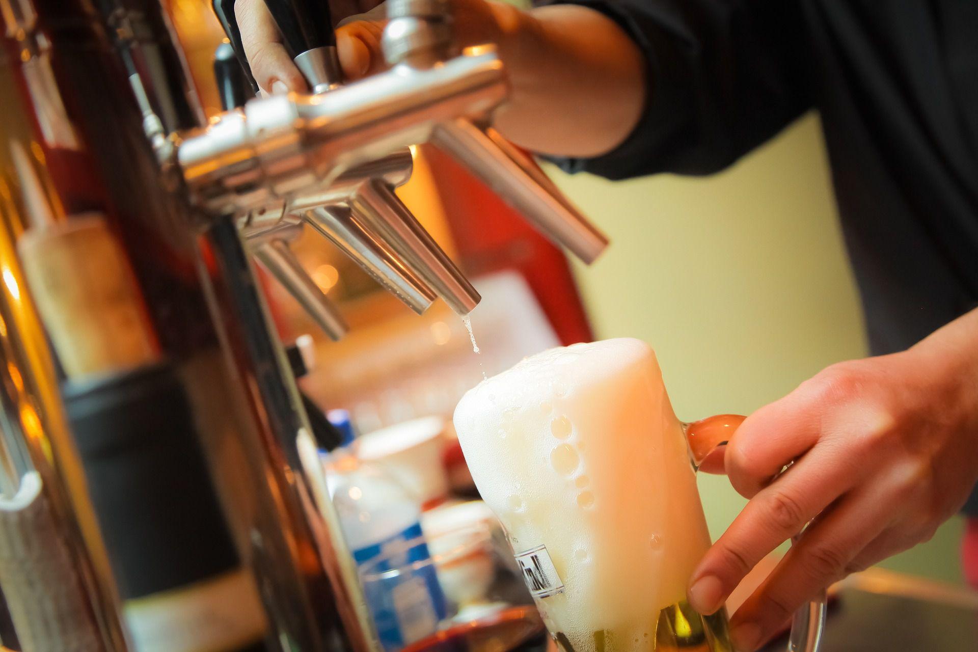 beer-939438_1920-576aaa7f3df78ca6e4541f5a Frais De Bar Separation Cuisine Schème