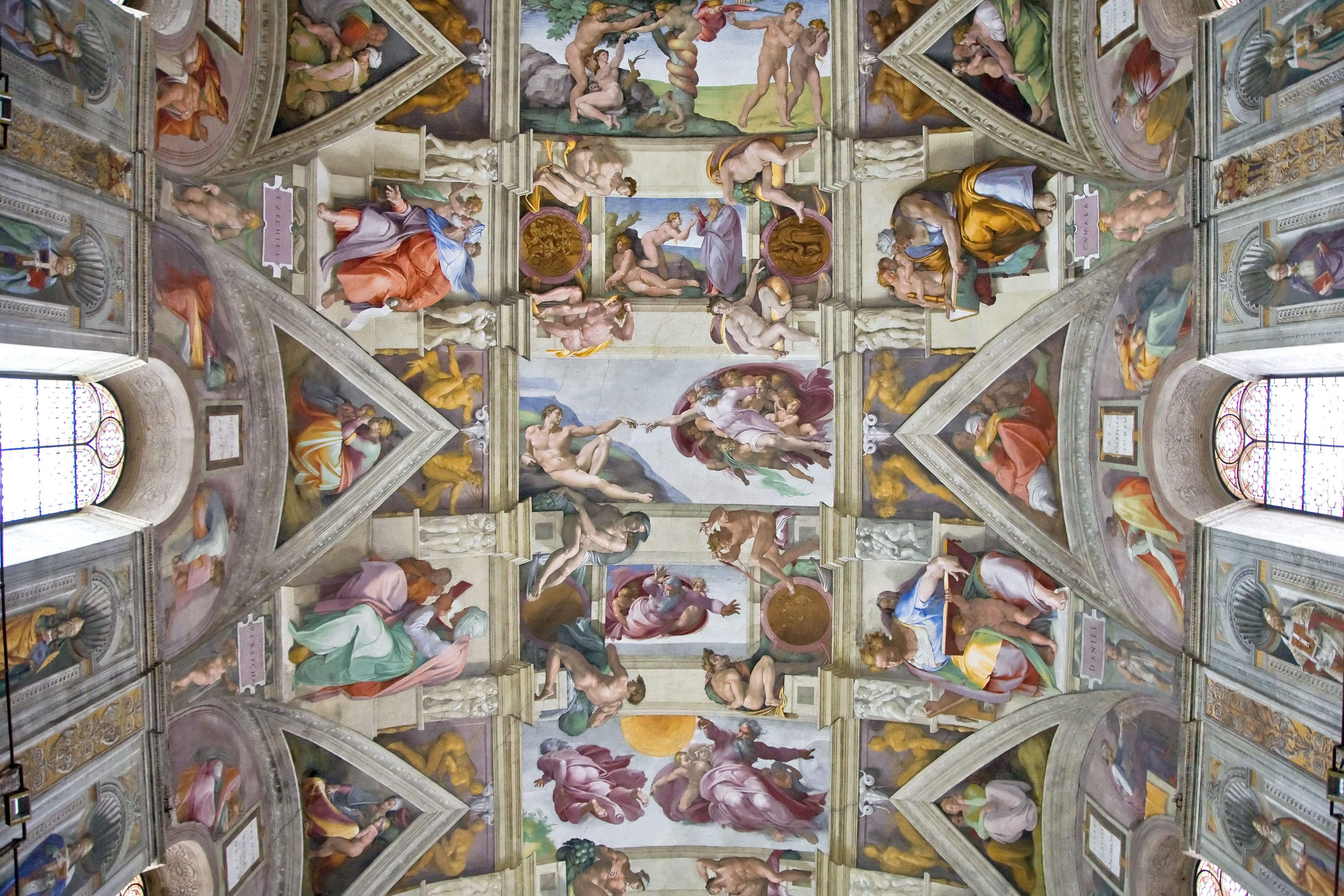 was michelangelo an artist or an architect?