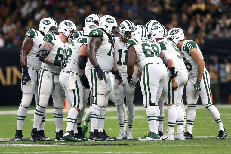 New York Jets football huddle