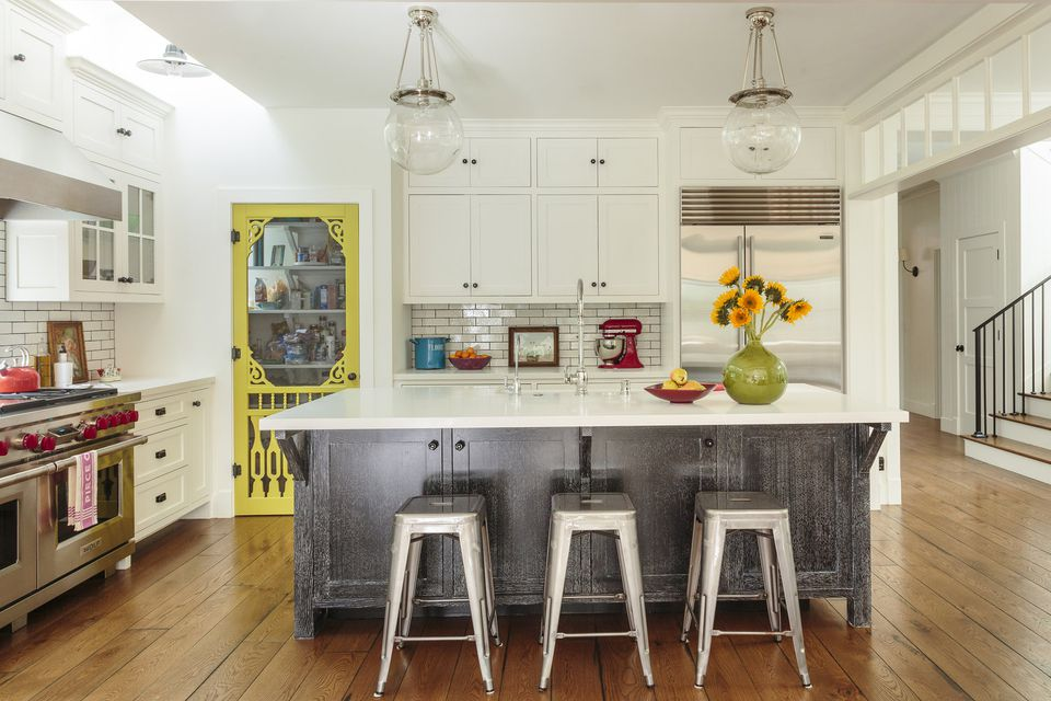 Modern farmhouse kitchen pop of yellow