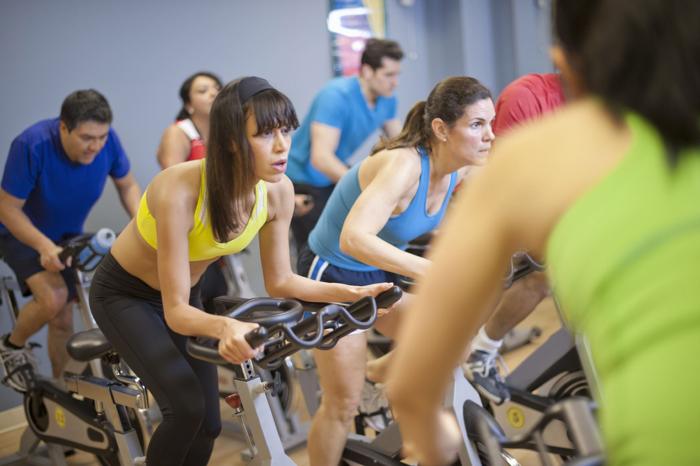 8 Tips to Lose Weight With Indoor Cycling
