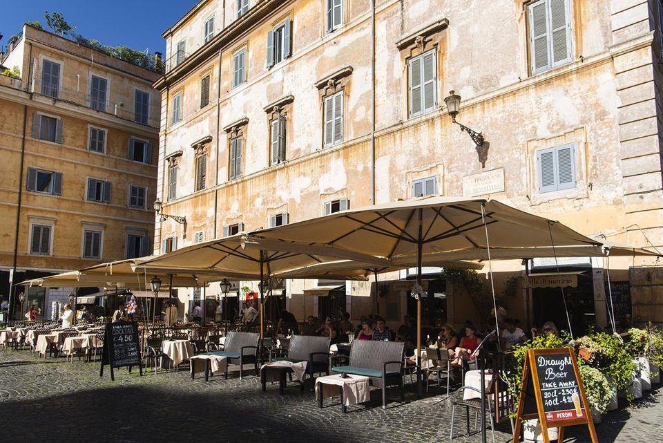 Piazza di Santa Maria in Trastevere