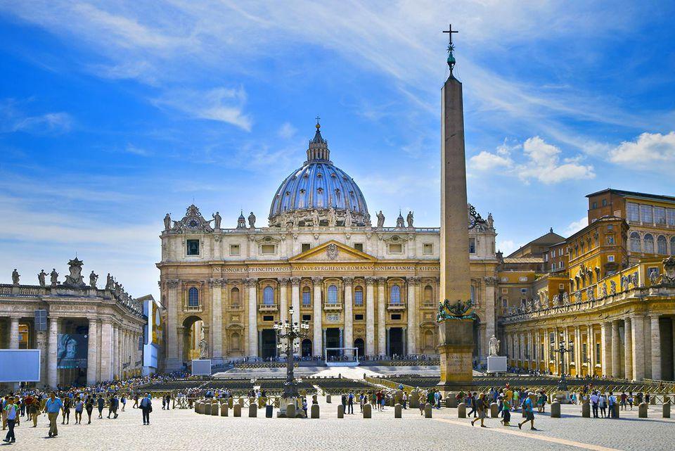 Saint Peter's Square photo