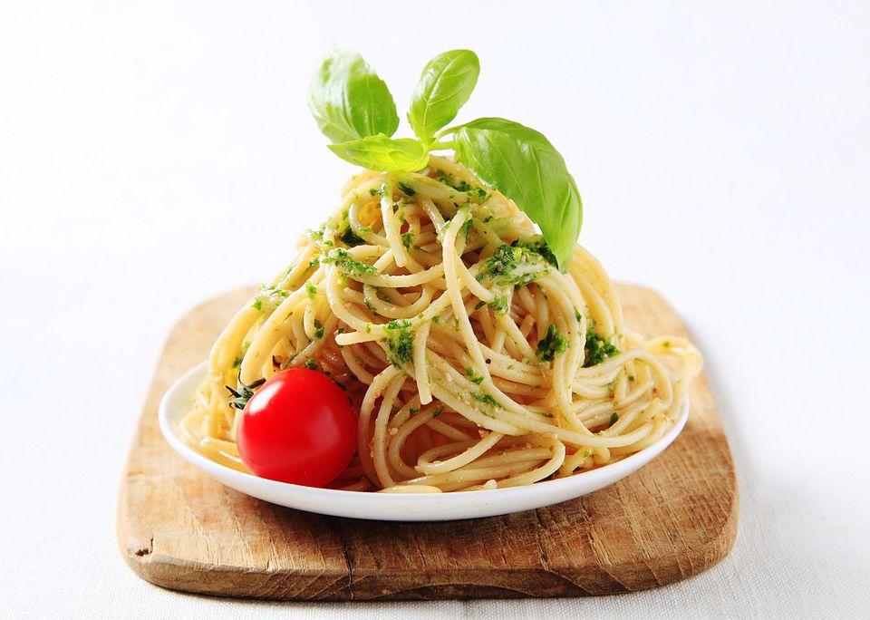 Tomato Pesto Spaghetti