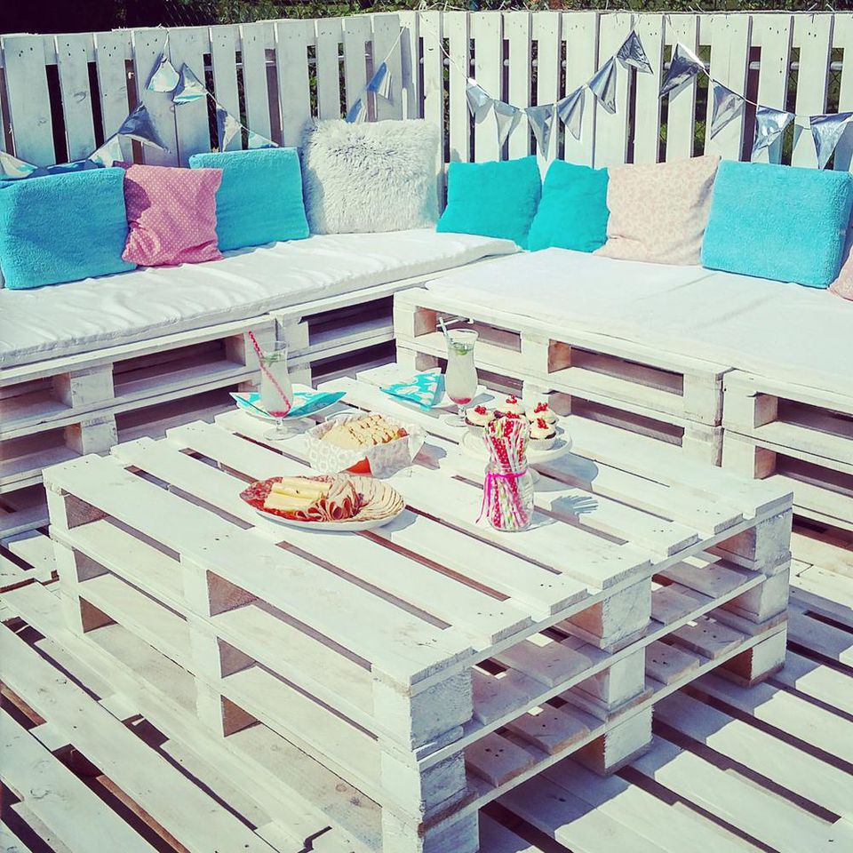 10 beautiful diy backyard decks