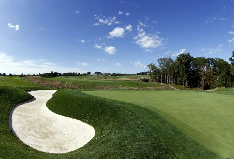 Oakmont Country Club 6th hole