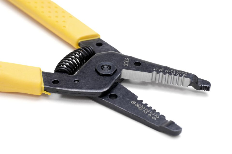 How to Use Wire Strippers