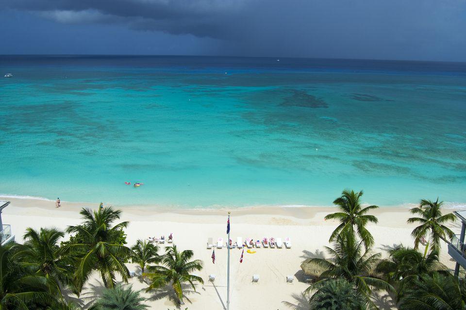 Seven Mile Beach Cayman Islands Restaurants