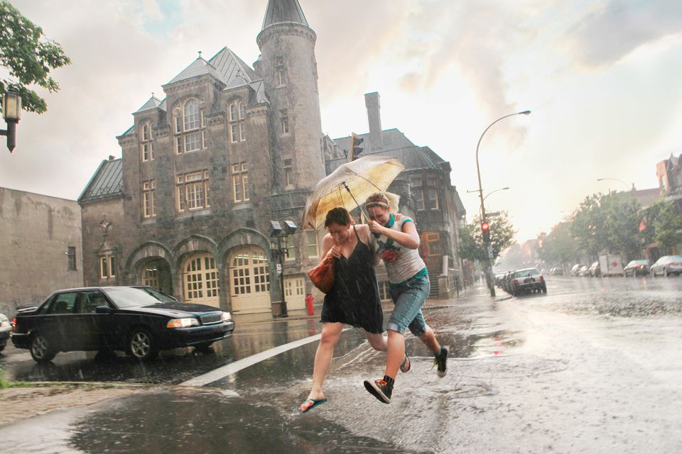 Compare Montreal weather forecasts.
