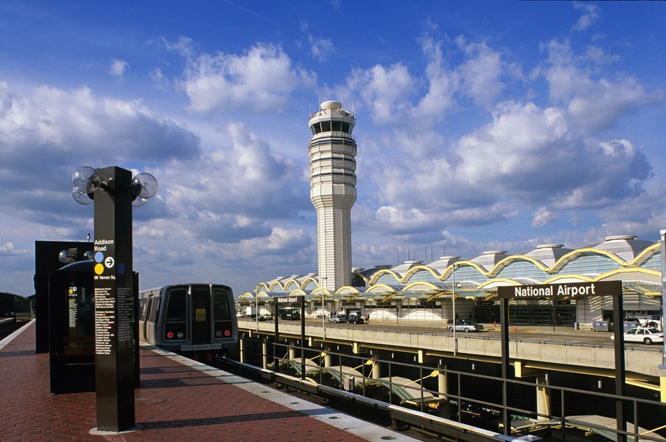 USA, Washington, DC, Ronald Reagan Washington National Airport, subway