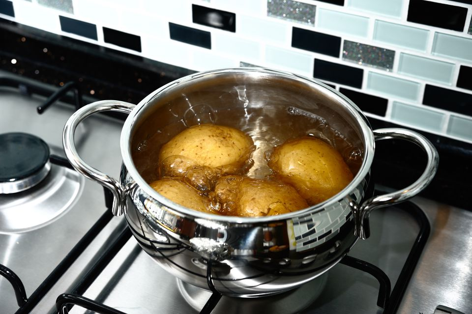 Boiling potatoes in water