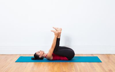 how to do peacock pose  mayurasana