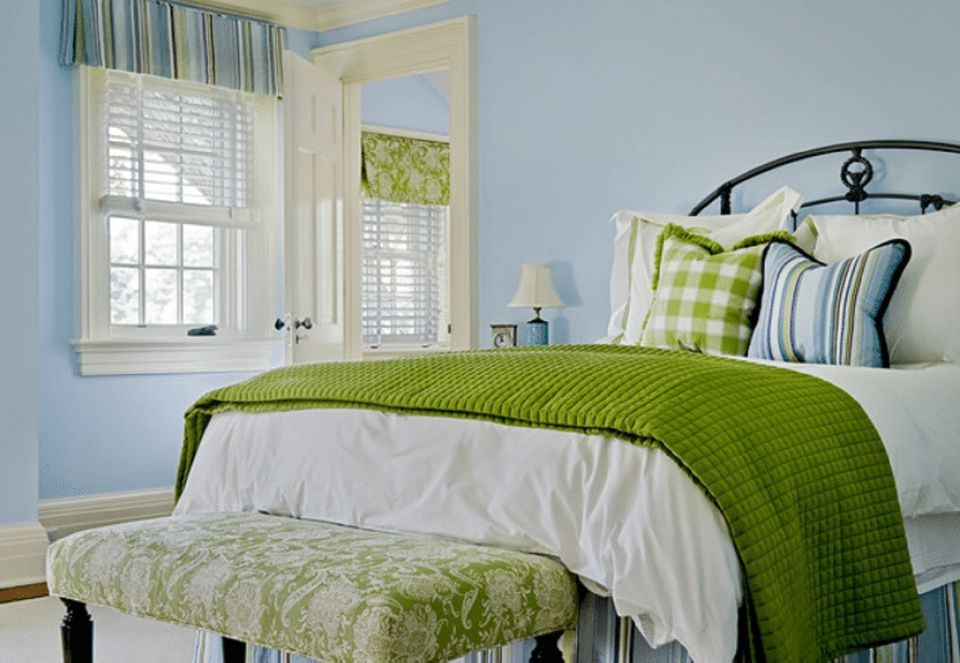 Blue and green bedroom. Blue Bedroom Decorating Tips and Photos