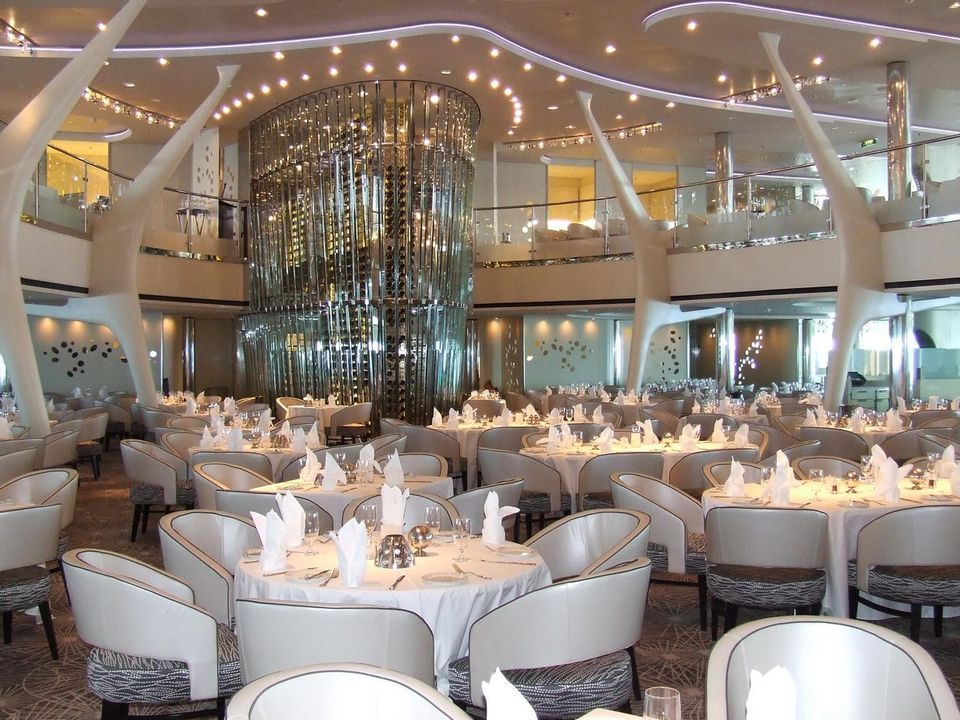 Blu Restaurant: Cruise Ship Food & Dining | Celebrity Cruises