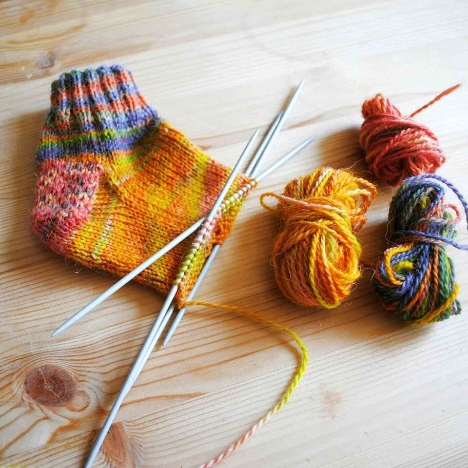 Knit a sock with a step by step practice pattern knitting sock bankloansurffo Image collections