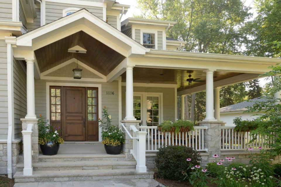 traditional front porch - Front Porch Of House
