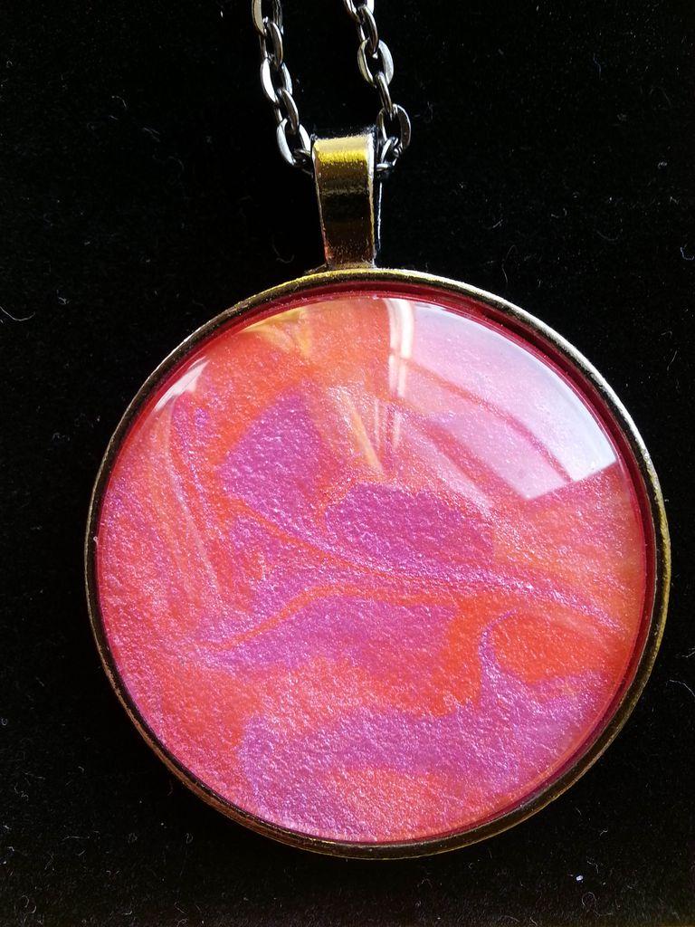 Medallón-Amuleto para el vuelo espiritual y la alegría por Tanya Torres