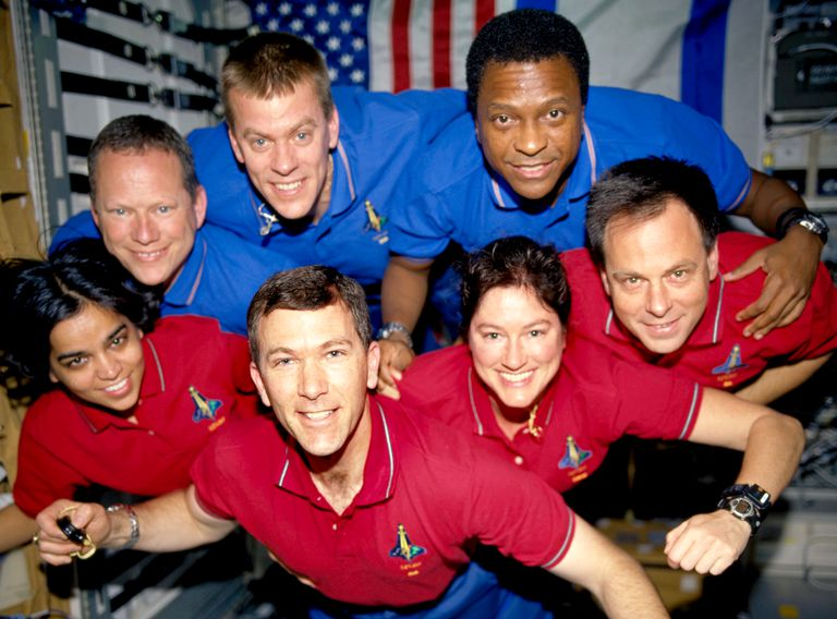 7 people in space