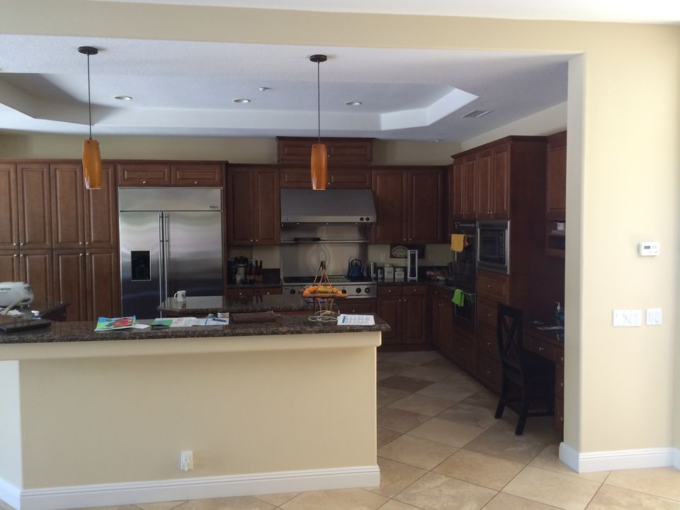 Amazing before after kitchen remodels for Kitchen remodel before after