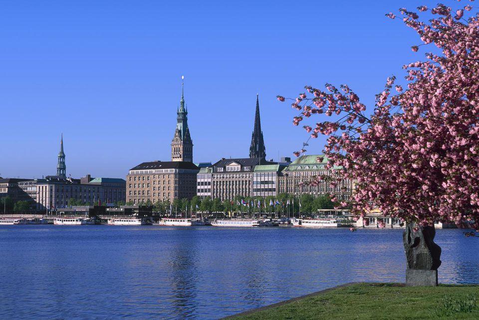 Hamburg and Lake Binnenalster, Germany