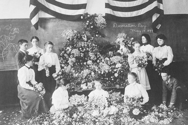 Daisies gathered for Decoration Day, May 30, 1899