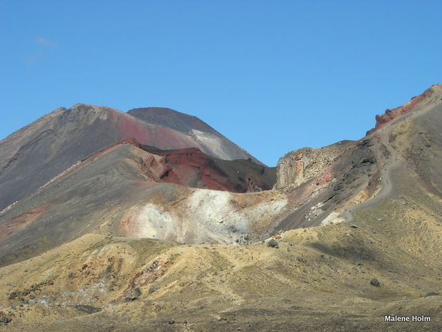 Mt Ngauruhoe and Red Crater on the Tongariro Crossing