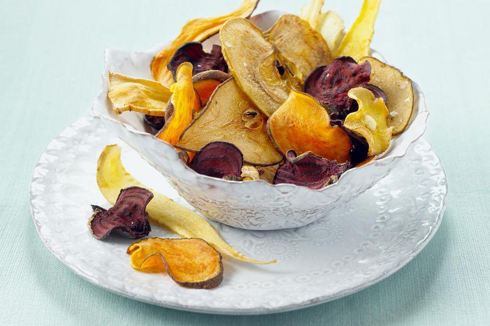 Bowl of vegetable crisps
