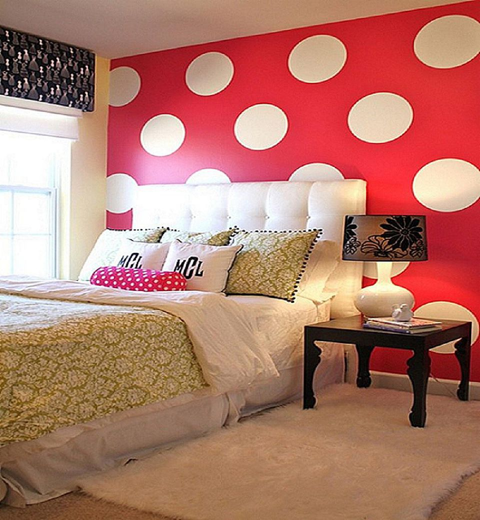 Decorate your bedroom with polka dots for Como decorar