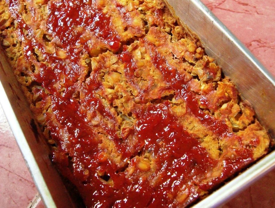 Vegetarian and vegan lentil loaf - a satisfying entree idea