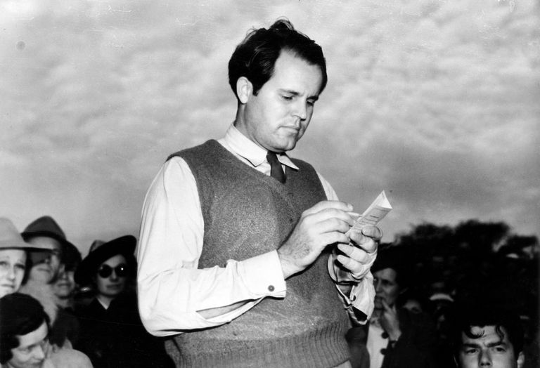 American golfer Ralph Guldahl adds his score of 279 stokes for 72 holes at the 1939 Masters Tournament in Augusta, Georgia.