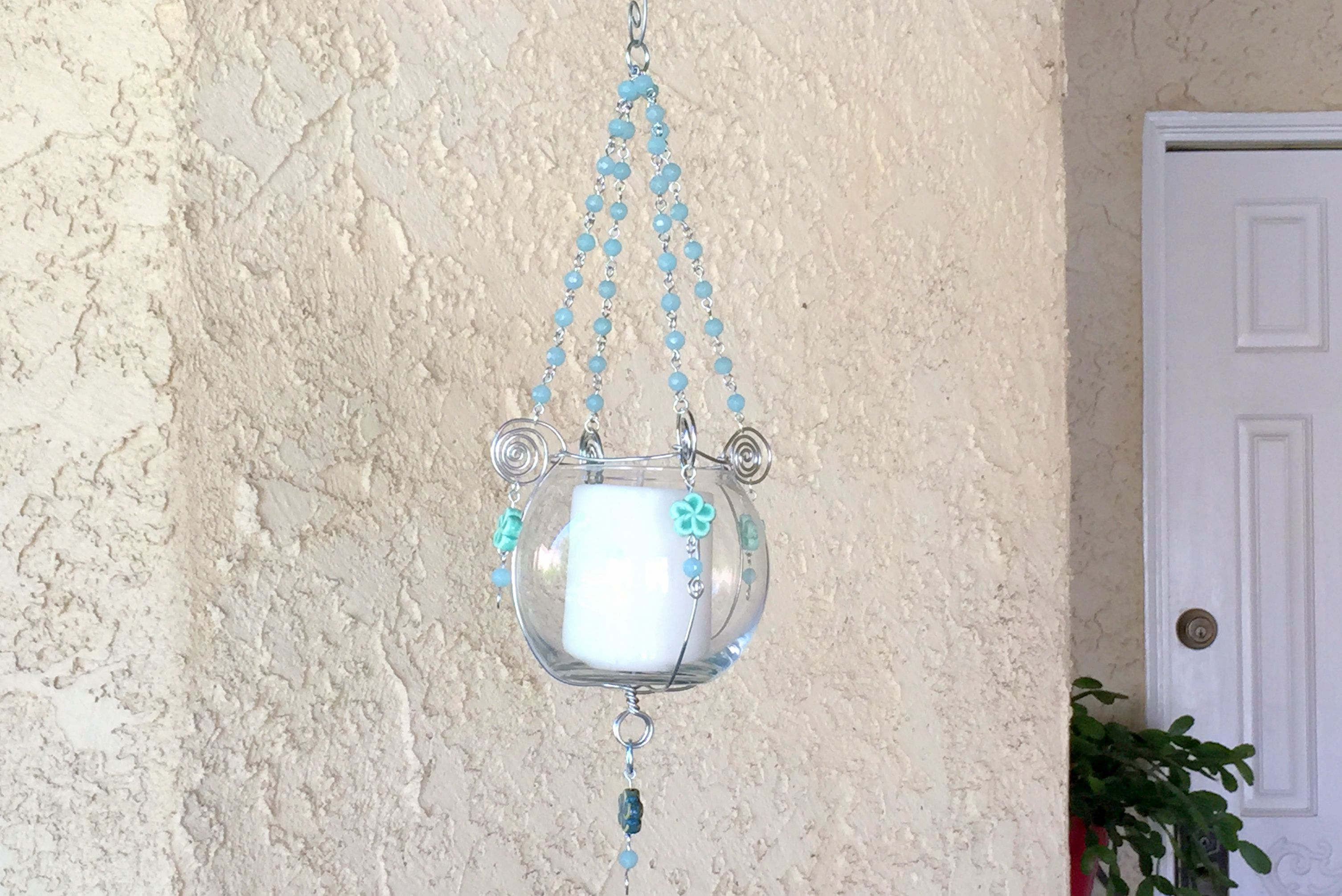 Diy hanging bead and wire plant or candle holder for Hanging candles diy