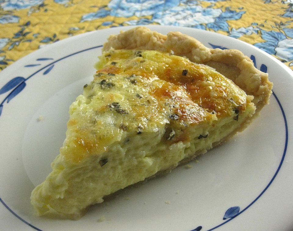 Easiest-Cheese-Quiche