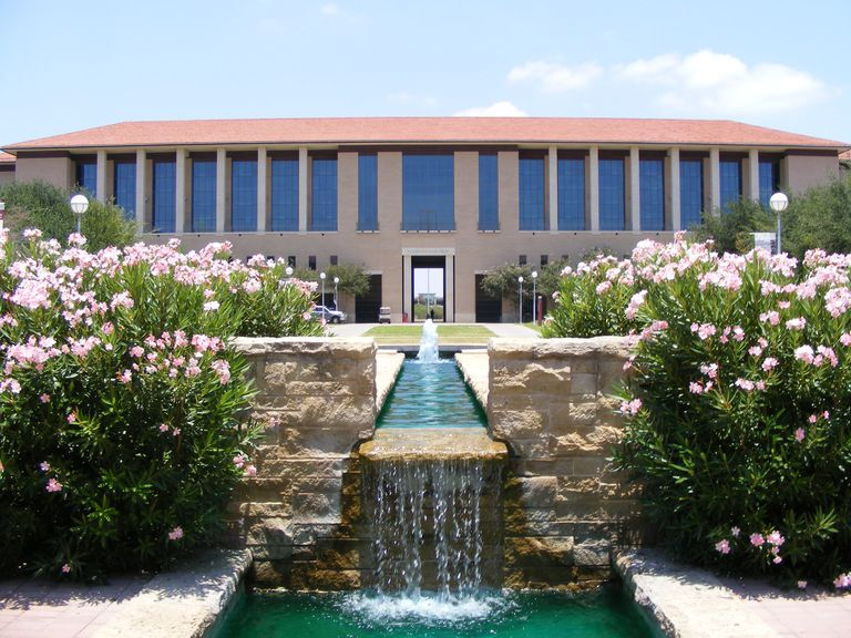 Fountain at Texas A&M International University with Killam Library in the background