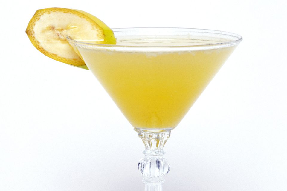 Banana split martini vodka cocktail recipe for Flavored vodka mixed drinks