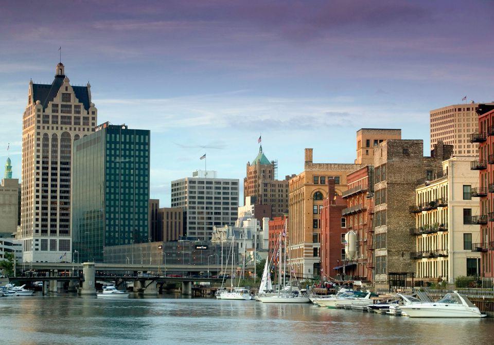 Milwaukee waterfront shout
