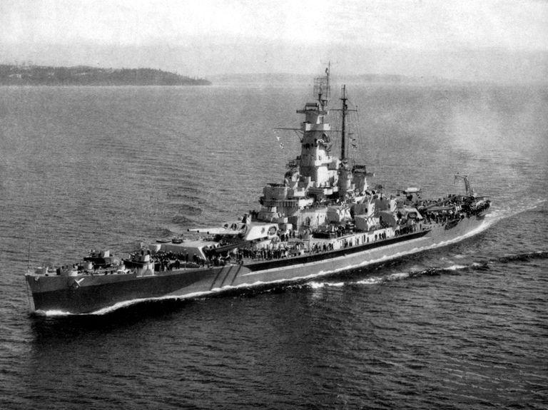 uss-massachusetts-1944.jpg