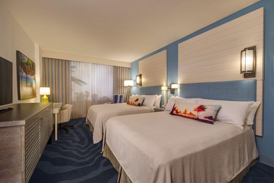 Guest room at Universal Orlando Sapphire Falls Resort