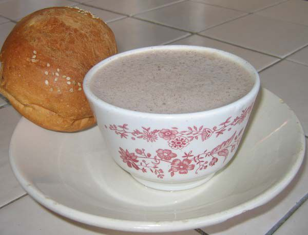 Hot chocolate with bread